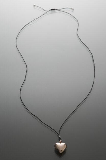 Bola inimă suflată cu aur (șnur negru)