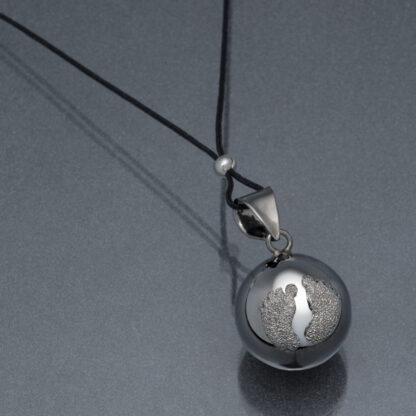 Bola argintiu piciorușe pudră de diamant argintie (șnur negru)