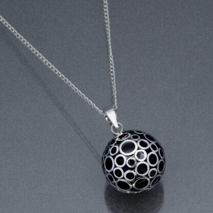 Bola negru cu bule argintii (lanț argint)