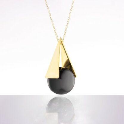 Bola - negru piramidă aur