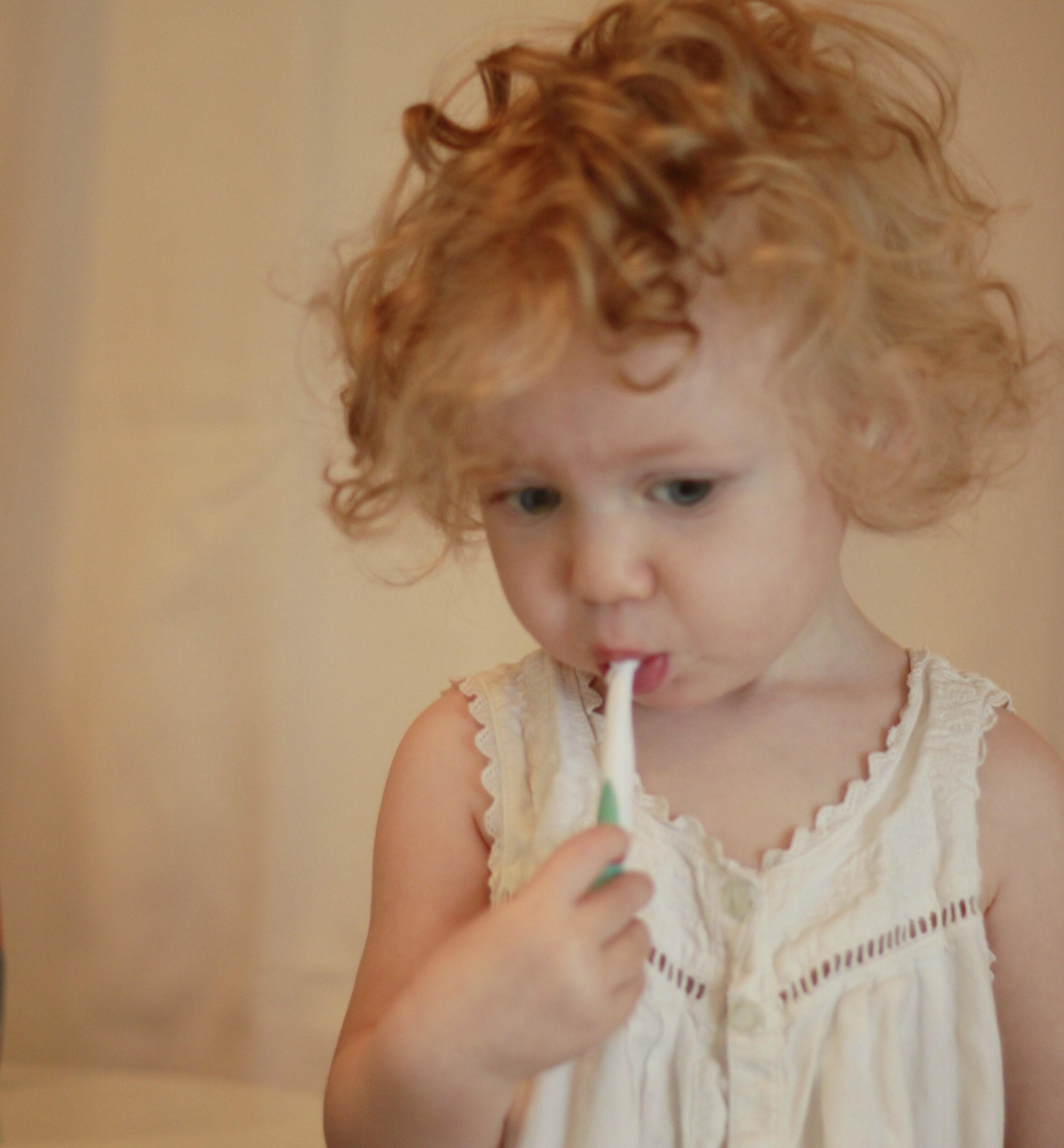 Ce să nu conțină o pastă de dinți pentru copii