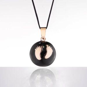 Bola negru piciorușe aurii (șnur negru)